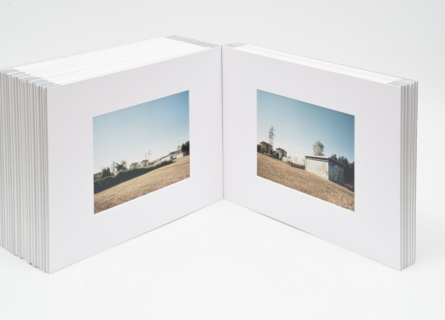 fold out photo book Raimondo Fantini Raimondi